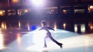 【大人スケート】フィギュアスケートは大人からはじめても上手になれます!長く楽しめるスポーツです。