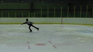 【子どもの習い事】フィギュアスケートのバッジテスト / 1級エレメンツの合格のポイントは?